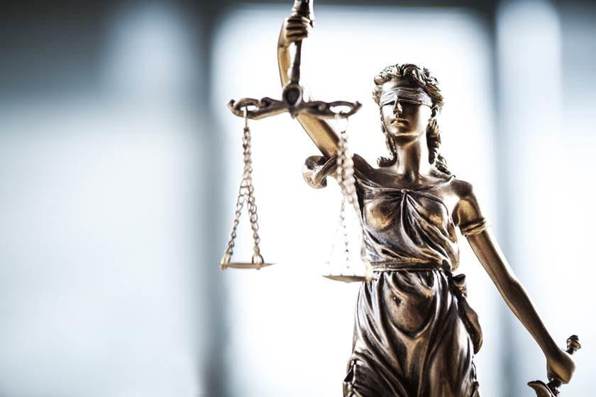 AS DECISÕES EM PRAZO ÚTIL COMO  FUNDAMENTO DE REALIZAÇÃO DA JUSTIÇA